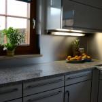 Küchenwandverkleidung mit Dipond im Edelstahllook